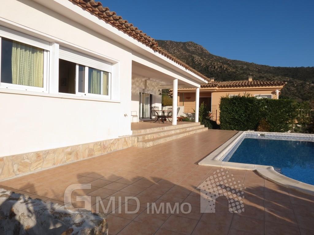 Alquiler vacacional casa con piscina en la urbanizaci n - Casas alquiler costa brava ...