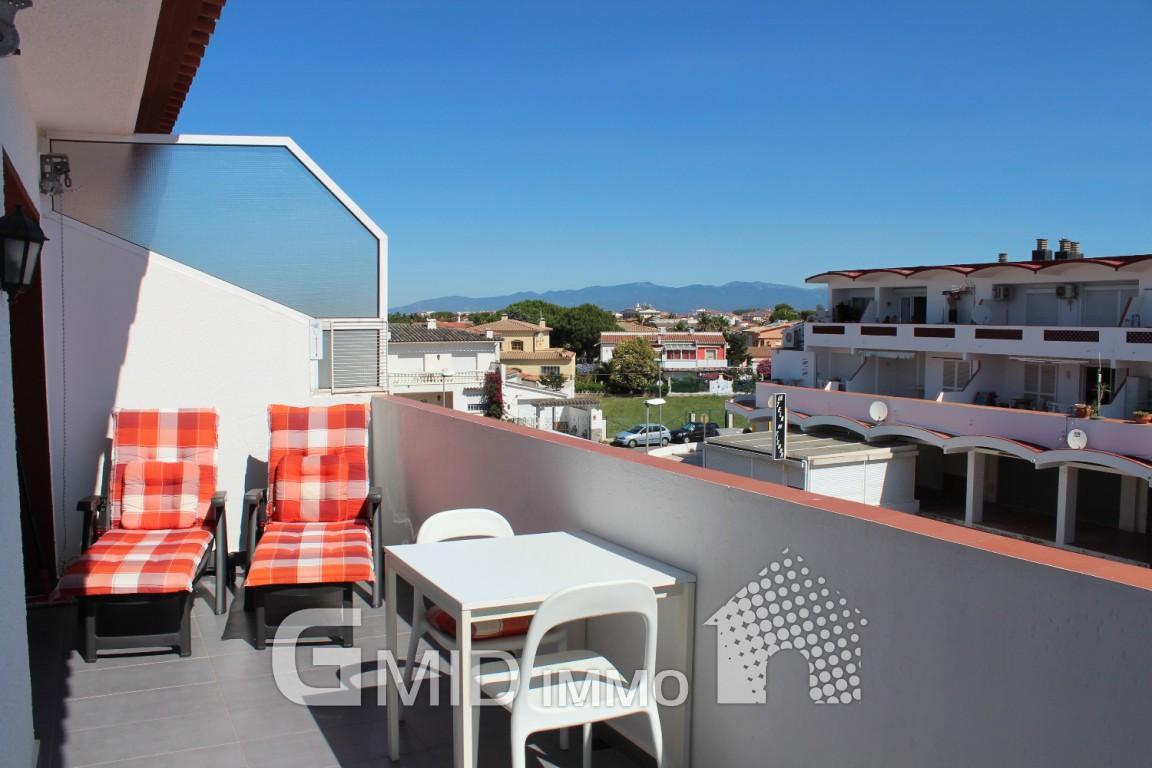 Moderno piso en venta en el centro de empuriabrava costa brava inmuebles gmid immo - Pisos en venta en el centro de valladolid ...