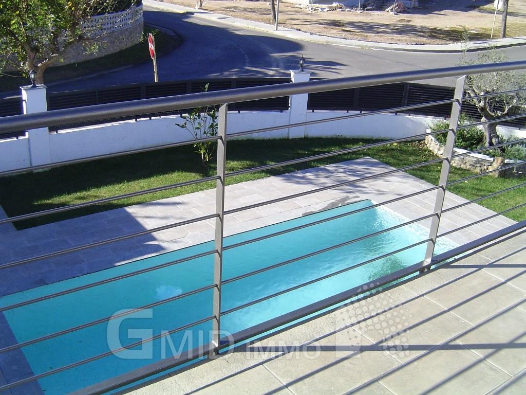 haus mit schwimmbad wellness zu hause mit schwimmbad whirlpool und sauna schwimmbad zu foto. Black Bedroom Furniture Sets. Home Design Ideas