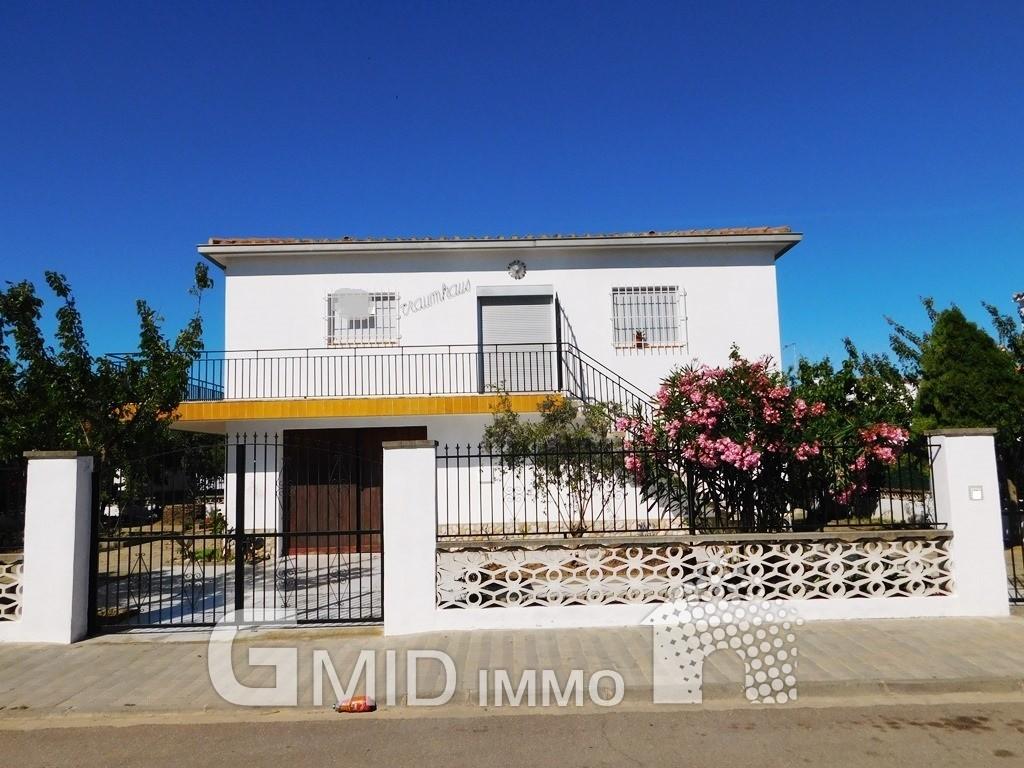 Casa de dos plantas en empuriabrava costa brava inmuebles gmid immo inmobiliaria en roses - Casas en roses ...