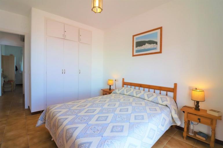 Zu verkaufen 2 schlafzimmer wohnung und garage in puig rom - Schlafzimmer rom ...
