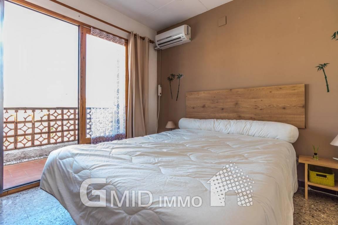 Casa indipendente con 2 camere da letto con piscina e garage nel ...