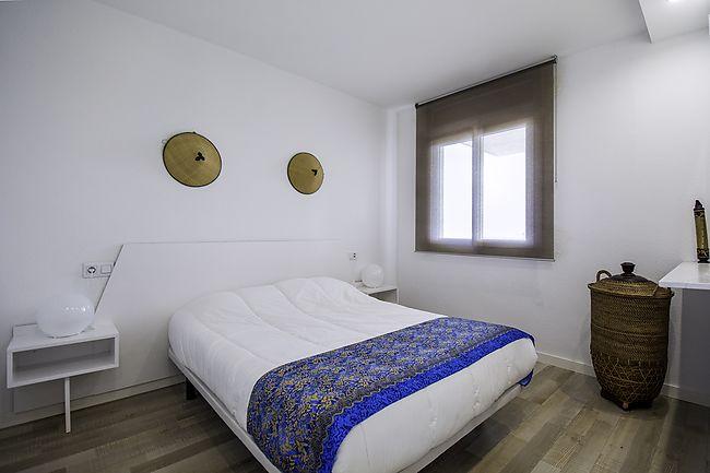 Appartamento con 1 camera da letto con vista sul canale, piscina ...