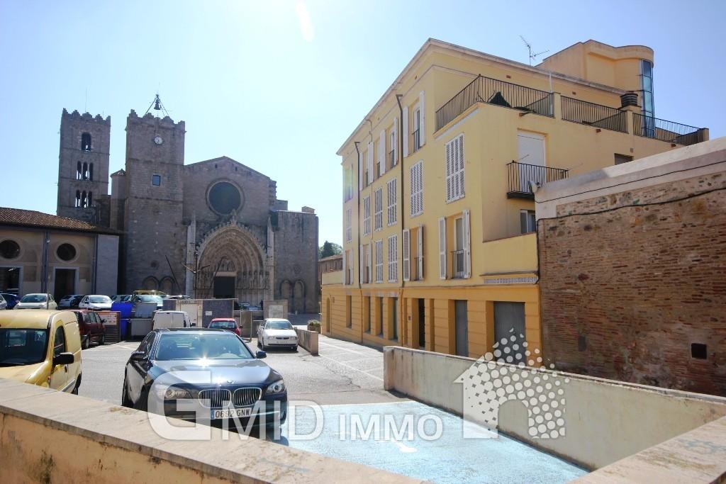 Acogedor apartamento con vistas a la basílica en Castelló d'Empúries, Costa Brava