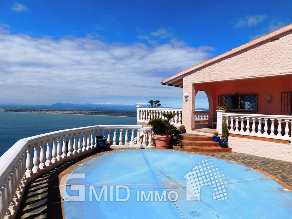 En venta casa con vistas maravillosas al mar en roses costa brava inmuebles gmid immo - Casas en roses ...