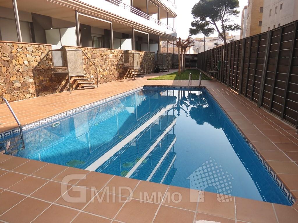 Appartement moderne avec piscine et parking dans salatar - Piscine moderne ...