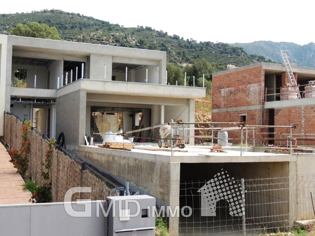 Casas adosadas con garaje en construcci n en palau saverdera inmuebles gmid immo - Casas en roses ...