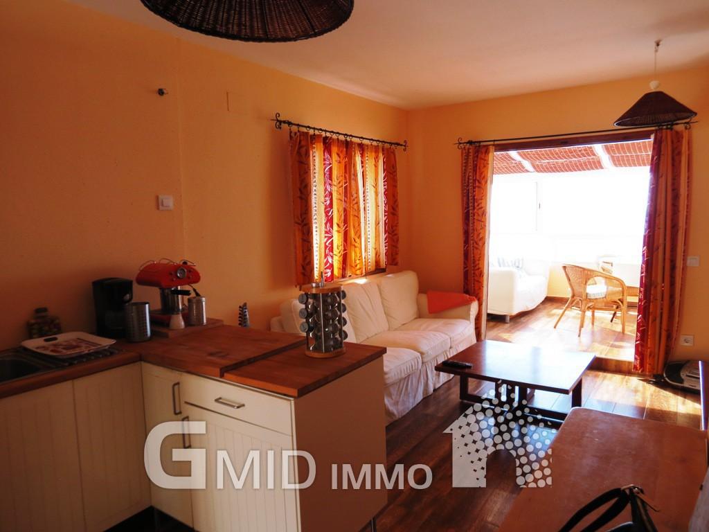 Apartamento de vacaciones con piscina en canyelles roses for Vacaciones en villas con piscina