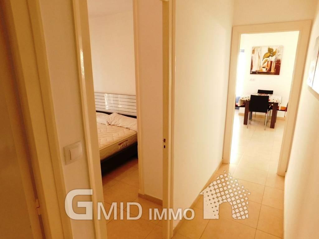 Alquiler larga estancia piso de 3 habitaciones a 50 m de for Pisos xirivella alquiler