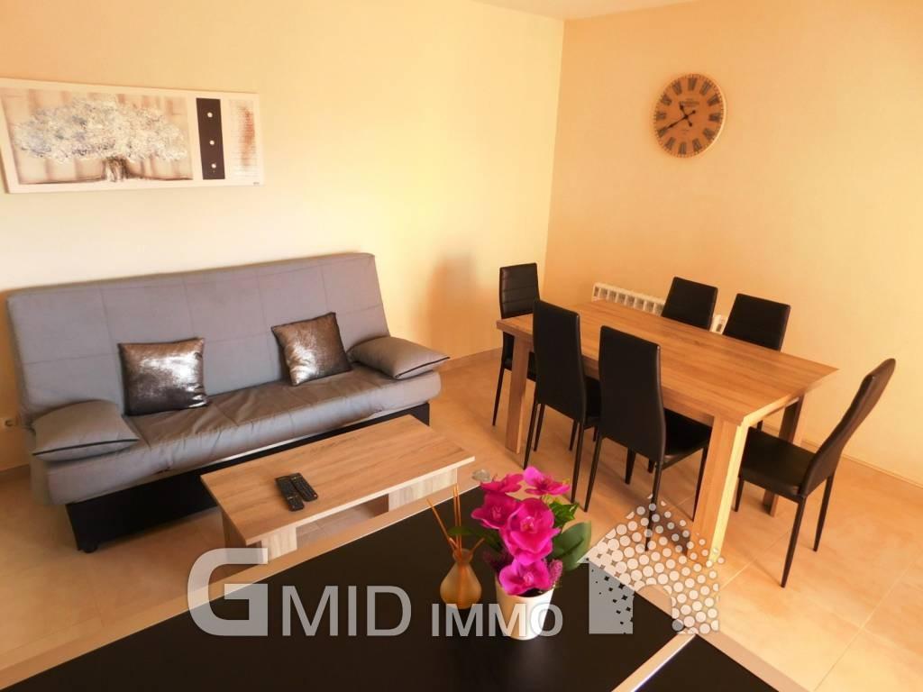 Renovierte Wohnung mit 2 Schlafzimmern und Parkplatz 500 Meter vom ...