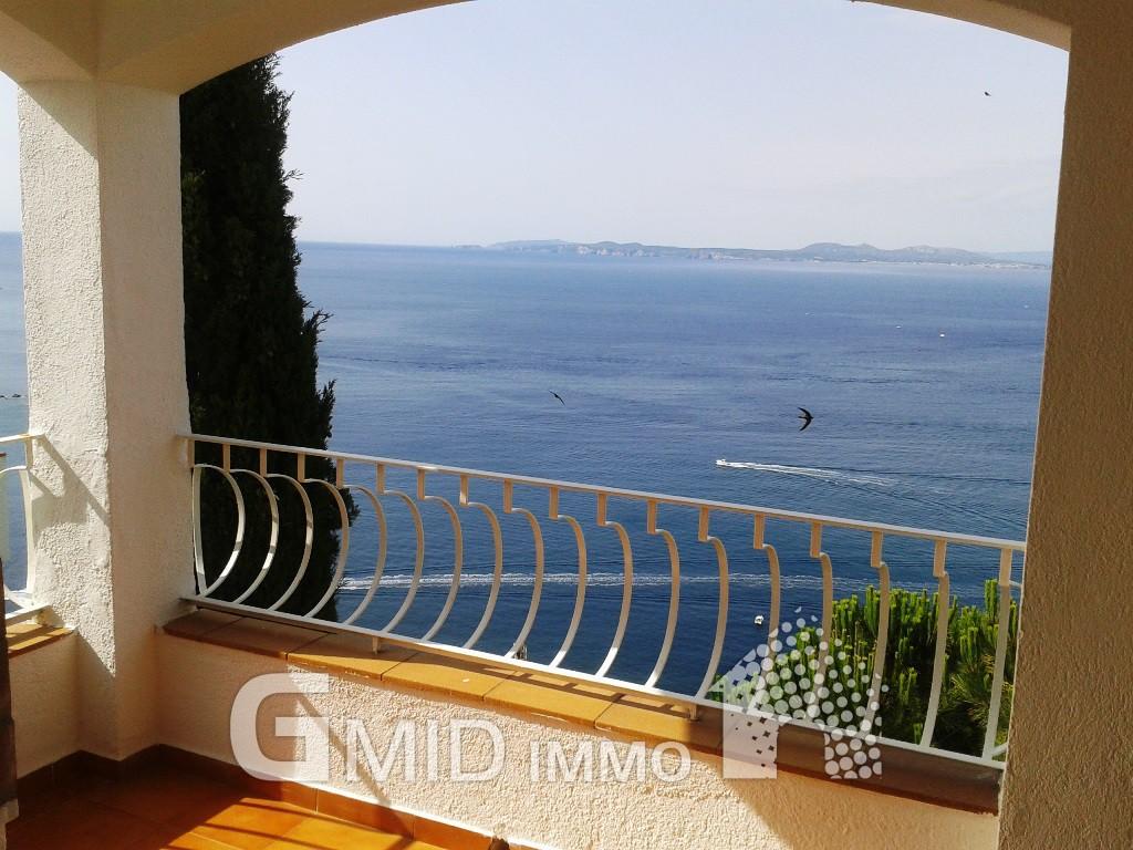 Casa con vistas al mar en roses costa brava inmuebles gmid immo inmobiliaria en roses y - Casas en roses ...