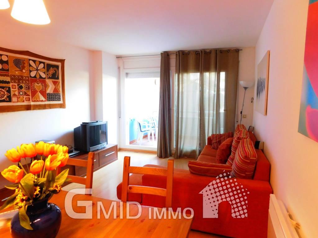 Bonito apartamento de dos habitaciones para alquiler for Cuartos disponibles para rentar