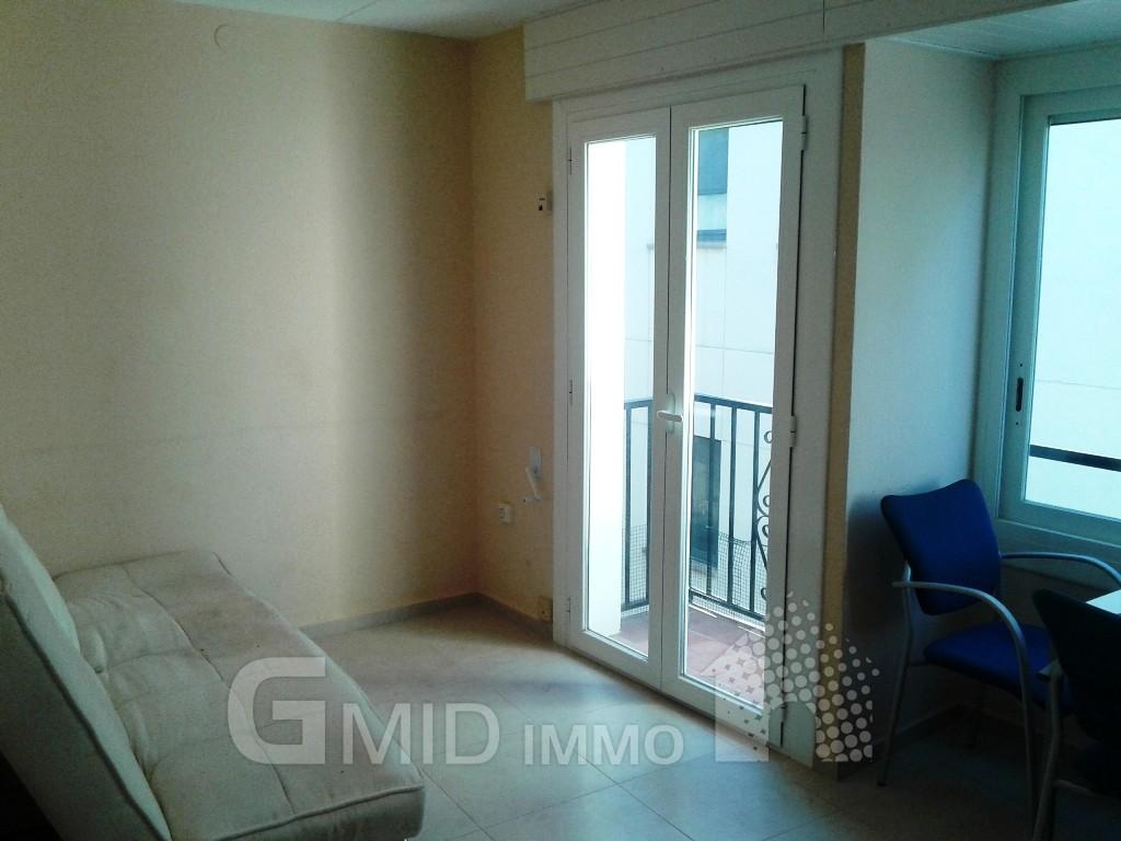 Alquiler piso de 2 habitaciones en el centro de roses for Alquiler piso zaragoza centro