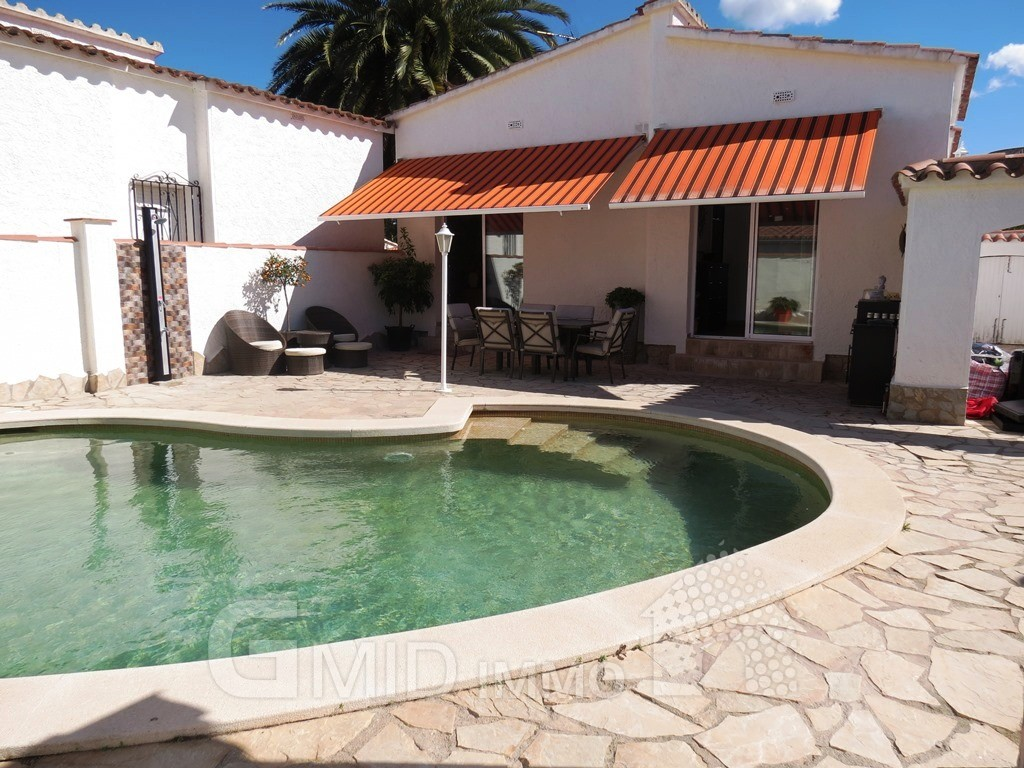 casa de vacaciones con piscina privada en centro de