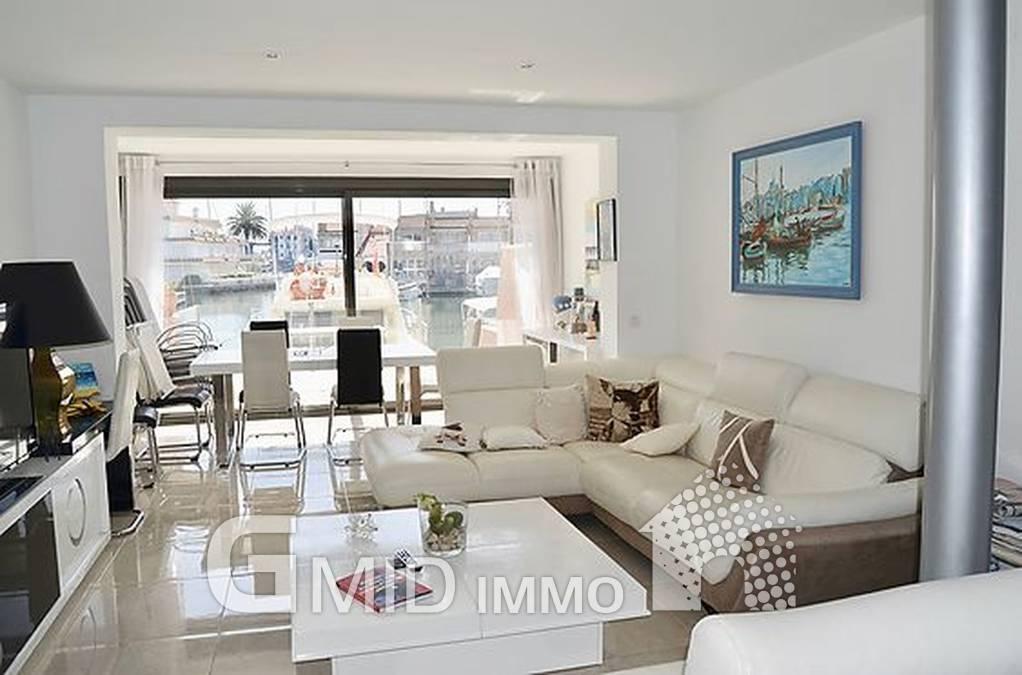 Bella casa con 3 camere da letto con ormeggio per barca a ...