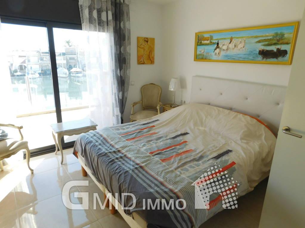 Bella casa con 3 camere da letto con ormeggio per barca a vela ...