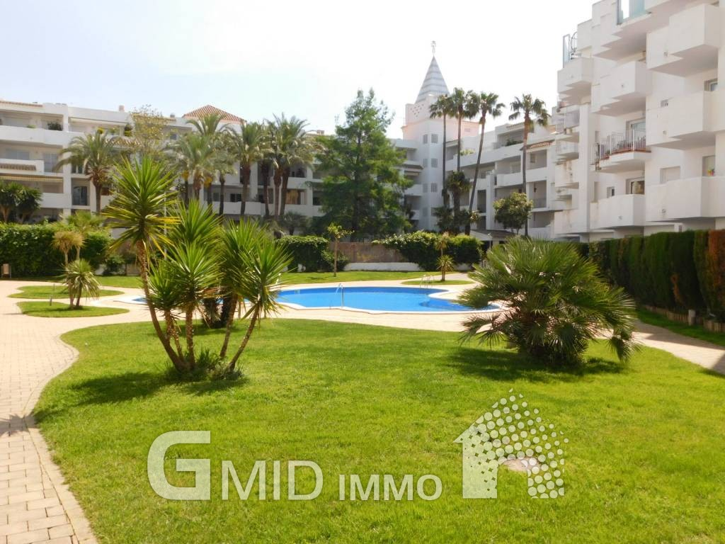 Alquiler vacaciones apartamento de 1 habitaci n con for Alquiler de apartamentos con piscina