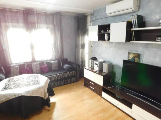Apartamento de 2 dormitorios en el centro de Roses, cerca de las tiendas y la playa