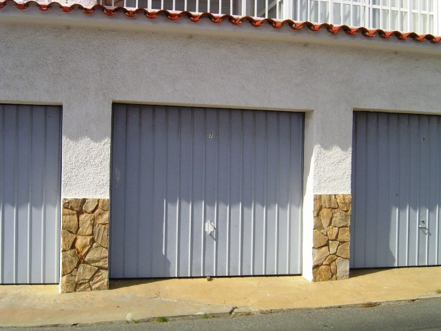 Alquiler garaje en centro roses inmuebles gmid immo for Alquiler garaje
