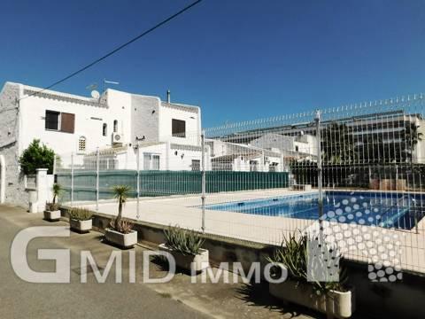 En venta casa adosada con piscina comunitaria Santa Margarita, Roses