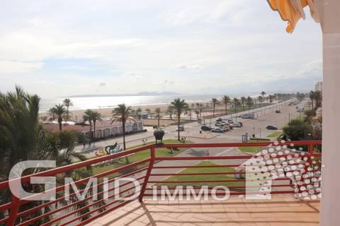 Venta bonito apartamento en 1ª linea con vistas al mar Ampuriabrava
