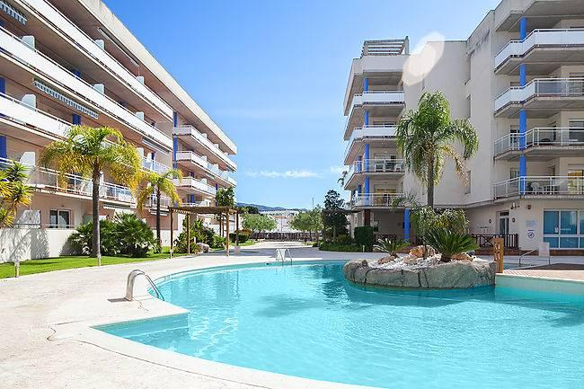 Alquiler vacacional atico duplex con terraza, piscina y parking Santa Margarita, Roses