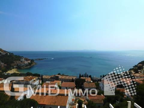 Schönes 2 Schlafzimmer Haus mit Meerblick, Canyelles, Roses, Costa Brava