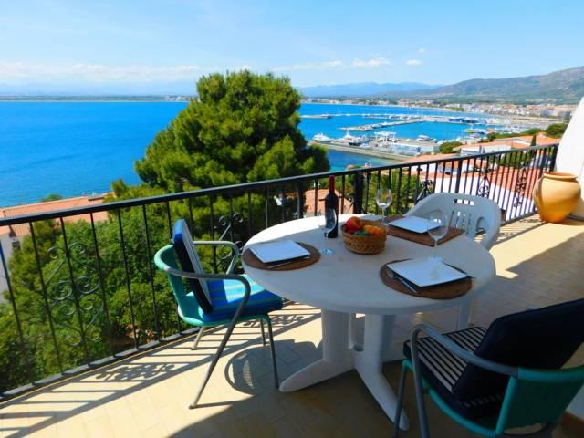 Casa de vacaciones con vistas al mar en Roses, Costa Brava