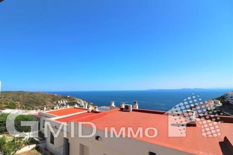 À vendre appartement de 2 chambres et garage à Puig Rom, Roses Costa Brava