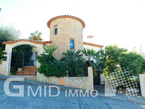 Vente maison au centre de Roses, Costa Brava