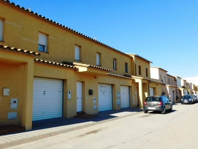 Casa adosada de obra nueva en Mas Nou, Empuriabrava, Costa Brava