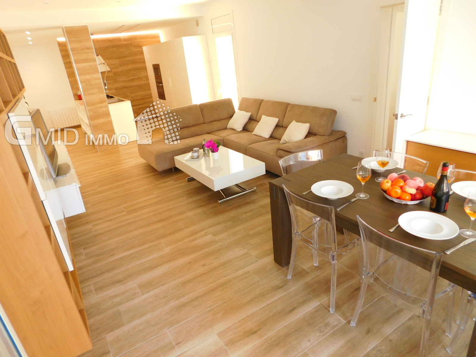 Alquiler piso moderno de 4 habitaciones en pleno centro de Roses, Costa Brava