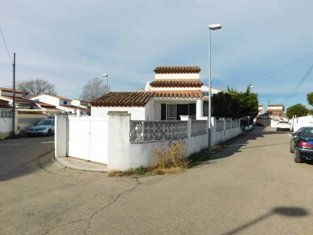 Se vende bonito chalet en Empuriabrava - Costa Brava