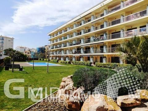 Venta apartamento 2 habitaciones en primera linea de mar Salatar Roses