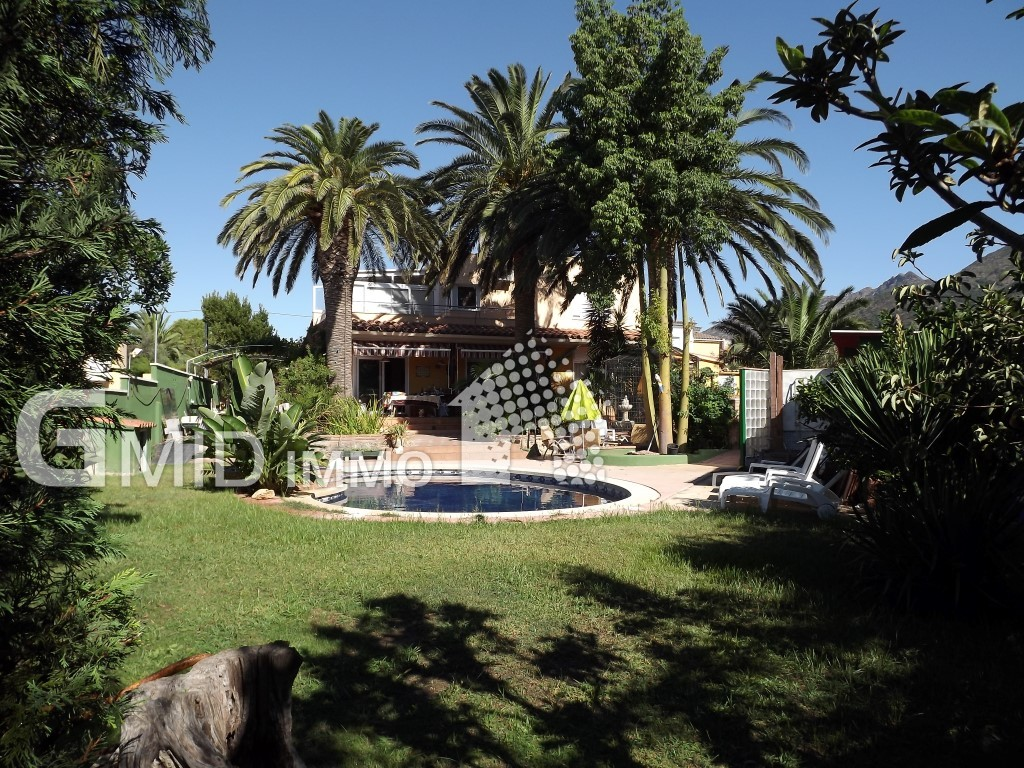 5 bedroom house completely renovated, pool, garage in Roses, Mas Bosca