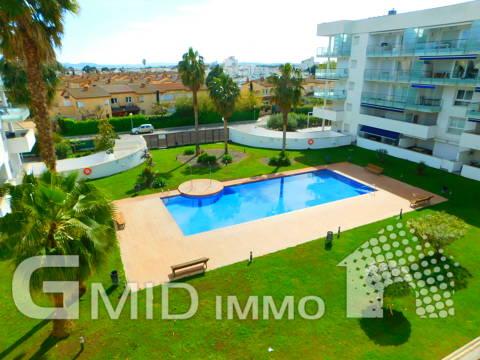Moderno apartamento 2 habitaciones, parking y piscina Santa Margarita, Roses
