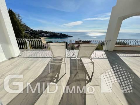 Magnífica villa con vista al mar a 100m de la playa en Almadrava, Rosas