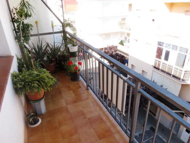Piso renovado de 3 habitaciones en Roses, España