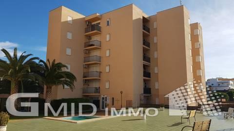 Piso en planta baja con 2 terrazas grandes, parking privado y piscina comunitaria Santa Margarita