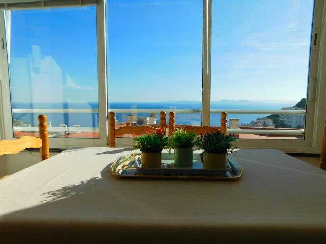En venta apartamento de 2 habitaciones con vistas al mar Puig Rom, Roses Costa Brava
