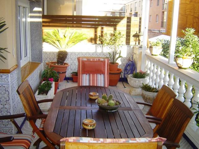 En venta casa adosada de 3 plantas en Roses, España