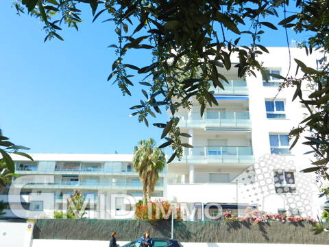 Modern apartment with 1 bedroom, parking and pool Santa Margarita, Roses