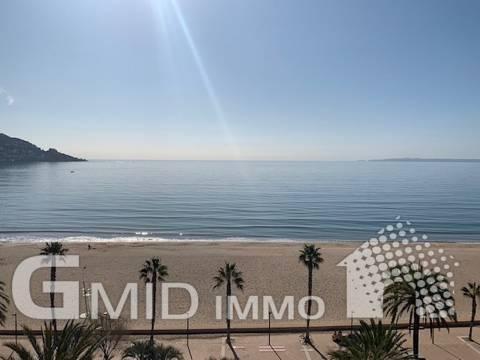 Wunderschönes Penthouse vor dem Meer Santa Margarita, Roses, komplett renoviert