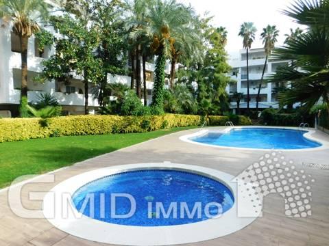 Se vende apartamento de 1 dormitorio, piscina comunitaria en Roses-Santa Margarita