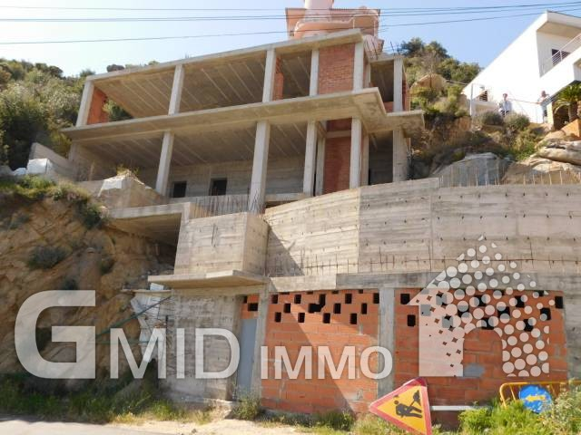 Casa en construcción con vista a la cala de Canyelles, Roses, Costa Brava
