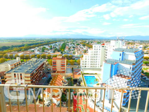 Apartamento de 2 dormitorios a 50 m de la playa en Empuriabrava