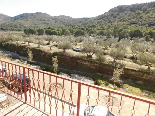 Apartamento de 2 dormitorios con terraza y patio en Mas Oliva, Roses