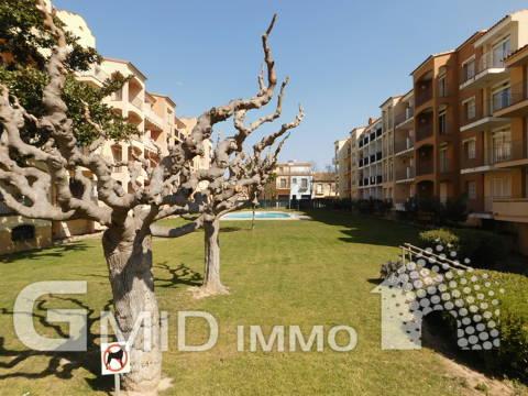 En venta piso 2 habitaciones con piscina comunitaria en Gran Reserva, Empuriabrava