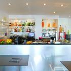 En traspaso local Bar-Restaurante en primera linea de mar Empuriabrava, Costa Brava